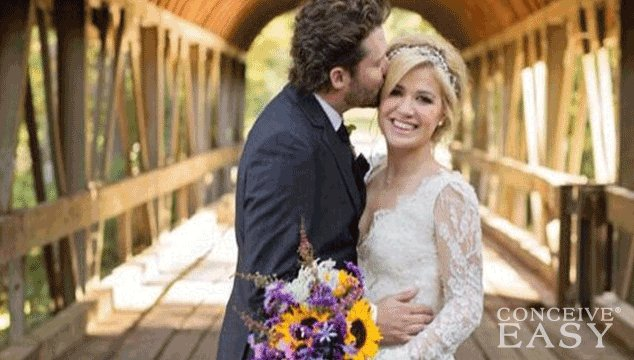 Kelly Clarkson is Pregnant!