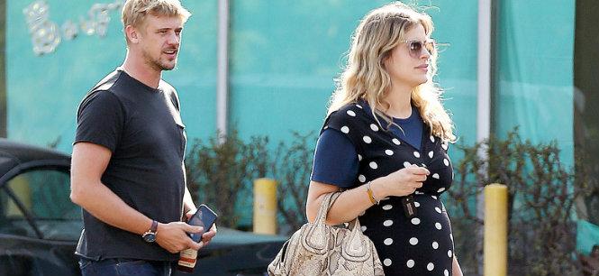 Boyd Holbrook and Tatiana Pajkovic expecting